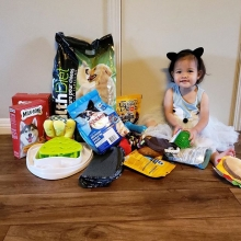 Little miss Ivy celebrated her first birthday and collected donations for the rescue. Thank you so much to Ivy and her family for us helping out 🥳